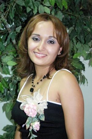 <u><i> 13 de Agosto </u></i><p>  Yadira Lourdes Muñoz Íñiguez, captada en su despedida de soltera.