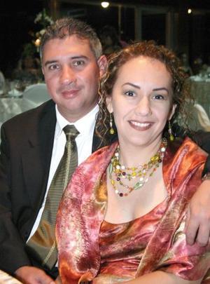 <u><i> 13 Agosto de 2004 </u></i><p>  Ricardo y Paty Álvarez.