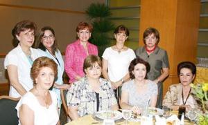 Chacha de García, Angélica de Castro, Lety de Martínez, Ángeles de Lara, Susana de González, Josie de Iriarte, Lula de Álvarez, Maru Kort y Sonia Revueltas.