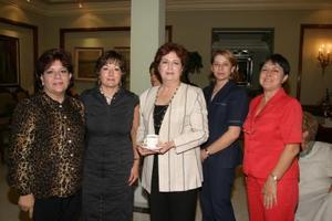 Laura de Carillo, María Isabel Saldaña, María Matilde de Valdés, Silvia  Castro de Towns y Elba Abdo de Canedo.