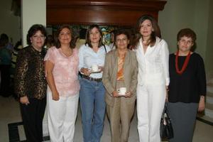 Laura Ramos, Velina de Murra, Mónica Bernal, Lourdes Bernal, Claudia Máynez y Asunción Belausteguigoitia.
