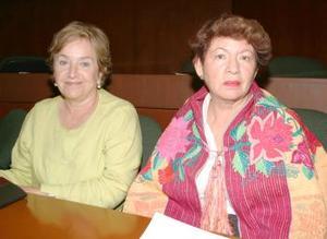 Rosa María Barrondo y Oralia Esparza.