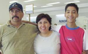 <u><i> 14 de Agosto </u></i><p>   Virginia Medina viajó a San Diego, la despidieron Jesús Rampirez y José de Jesús Ramírez.