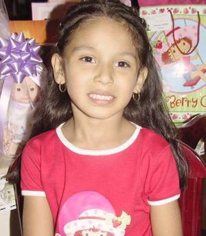 Scarlett Magallanes González cumplió seis años de edad, por lo que fue festejada por su mamá, Rocío Magallanes González.