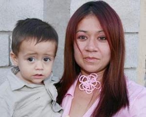 Teresa Méndez de Romo y Raúl Romo Méndez.