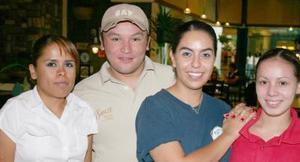 Archie Carmona, Blanca Ramírez, Mayra Martínez y Magaly Arellano.