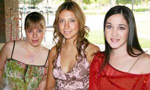 Isabel Cobo, Vicky Ibarguengoytia y Leslie Hernández.