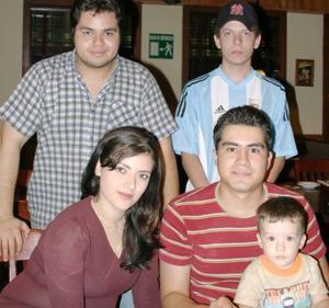 Arón Ocon, Fabián ocon, Perla Tello, omar Wong y alfredo García.