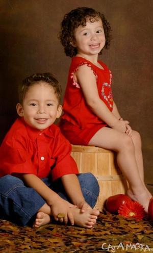 Niños Raúl Fernando y Ana Cecilia Mendoza Sandoval celebraron tres  y dos años de vida respectivamente, con una divertida fiesta infantil.