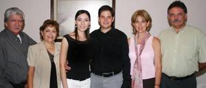 Francisco Aguirre Dávalos y Eva Magallanes Delgado contraerán matrimonio en breve y por tal motivo sus padres, Francisco Aguirre, Magdalena Dávalos, Manuel Magallanes y Evangelina de Magallanes.