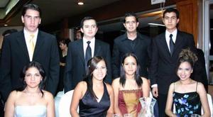 Sofía Rodríguez, Karla Moreno, Diana Rivera, Ana Rodríguez, Alberto Rodríguez, Carlos Moreno, Pedro Rivero y  Alejandro Lazarín.