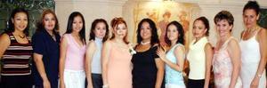Marilú Castillo, Nelly de Peralta, María José Campero, Any Montes, Carla y Tania Macías, Judith López y Lilian S, acompañaron a Gabriela en su festejo.