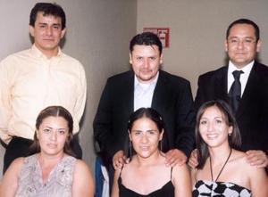 Verónica Reyes, Isabel Rodríguez de Martínez, César Martínez, Adriana y sergio Hernández y Mario Rodríguez.