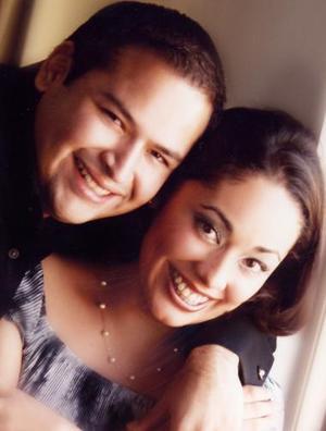 Sr. Omar Alfonso Luján y Srita. Consuelo Ramos Álvarez efectuaron su presentación religiosa en la parroquia de Nuestra Señora de la Virgen de la Encarnación, el sábado siete de agosto de 2004.