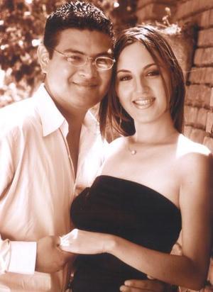 D Arq. José Barajas y Arq. Alicia Rodríguez Ortega efectuaron su presentación religiosa, en la iglesia de San Agustín el sábado 19 de junio de 2004.