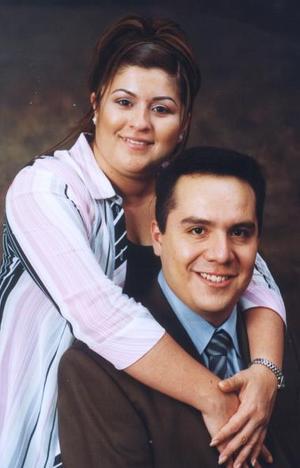 <u><i> 15 Agosto de 2004 </u></i><p>  Sr. Ricardo Natanahel Sánchez Galván y Srita. Dolores MAría Mejía Contreras efectuaron su presentación religiosa en la parroquia de San Pedro Apóstol el viernes 30 de julio.