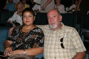 Claudia y Enrique González.