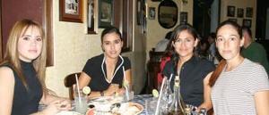 <u><i> 16 de Agosto </u></i><p>   Anabel Barmúdez, Aurora Salas, Lety de López y Alicia Reyes de González.