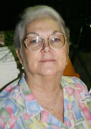 <u><i> 17 de Agosto </u></i><p>  Blanca Alicia Alatorre de Llama, en reciente acontecimiento social organizado en su honor.