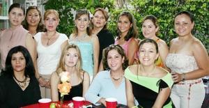 <u><i> 17 de Agosto </u></i><p>  Liliana Rodríguez Canales compartió gratos momentos, con algunas de las invitadas a la despedida de soltera que le ofrecieron por su cercana boda.