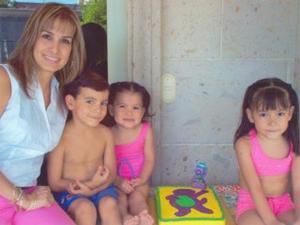 <u><i> 19 de Agosto</u></i><p>  María Paula Wong Grageda disfrutó de una divertida fista de cumpleaños, acompañada por su mamá Cristina Grageda de Wong y sus hermanos Ana Cris y Miguel Gerardo.