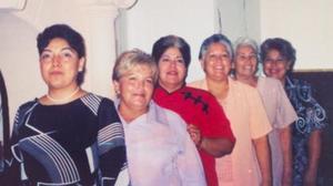María Luisa Méndez Hidrogo festejó su cumpleñaos con un grato convivio que le organizaron sus hijas Verónica, María Luisa, Virginia, María Guadalupe y Victoria Ríos Méndez.