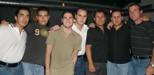 Luis Romero, Óscar Rodríguez, Emilio Solana, Sotero Rodríguez, Juan Carlos Huereca, Francisco y Manuel.