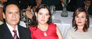 Eliseo Medina Elizondo, estela Flores de Medina y Odilia Flores.
