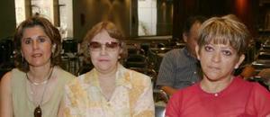 <u><i> 21 de Agosto </u></i><p>  María Eugenia de Teele, Susana Aguilera de Carrillo y Sococrro Ramírez de Robles, en pasado evento social.