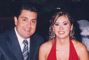 Eduardo Anaya y Massiel M. de Anaya.