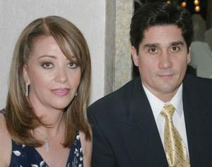 <u><i> 21 Agosto de 2004 </u></i><p>  Teresa Saracho y Rubén Gómez.