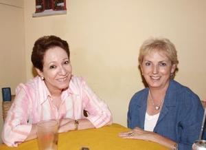 Agnes Vargas y Mary Carmen Mora Rubio.