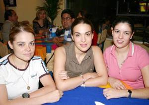 Graciela del Villar, María Esther Sobrino  de barrios y Sandra Garibay.