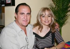 José Ángel Fernández Pérez  y María de los Ángeles Mijares Solares.