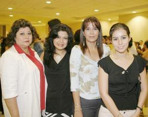 Marilú de Blázquez, Laura Valenzuela, Elizabeth Espinoza y Nelly Blackaller.