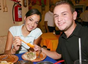 Mary Pily González y Juan Carlos G.