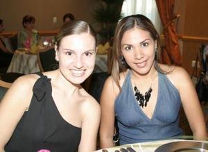 Silvia de Martínez y Claudia de Jaime.