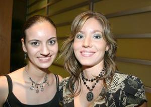 Soraya de Gorostiaga y Rocío Sañudo.