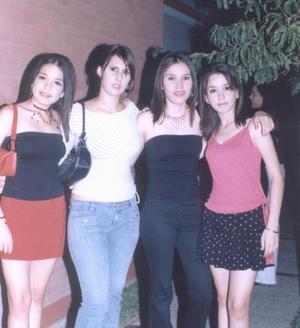 Caro Flores, Karina Quintanilla, Fahra Zarur y Luisa Flores.