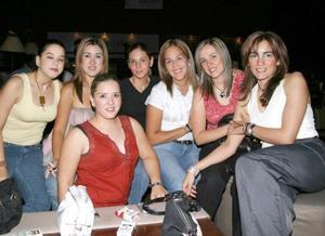 Mónica de la Torre Sánchez, Gergina Acosta, Ana de Campilla, Marielena de gamero, Blanca de la Torre, Vero de Estrada y Victoria de la Torre.