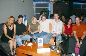 Paco Aguilar, Sheila Manji, Ryan Whit, Matt Kidd, Laura Krancs y Sandra Cuevas.