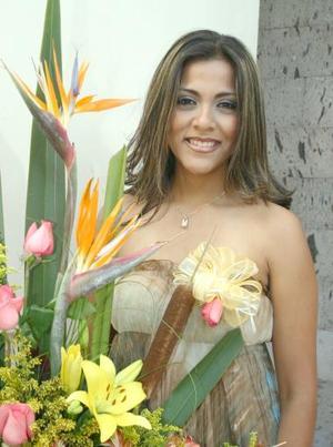 Lulú Cardona, contraerá matrimonio en breve y por tal motivo le ofrecieron una despedida de soltera.