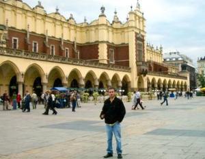 Carlos Arturo Rodríguez Domínguez, captado en su viaje a Cracovia, Polonia.