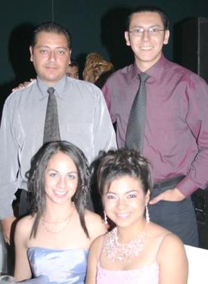 Gabriela de la Torre, Marcela Morales, Jesús Silva y Pablo Gamón.