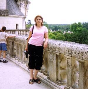 Norma Angélica Mireles Barajas, en su viaje a Europa en el Castillo Francés.