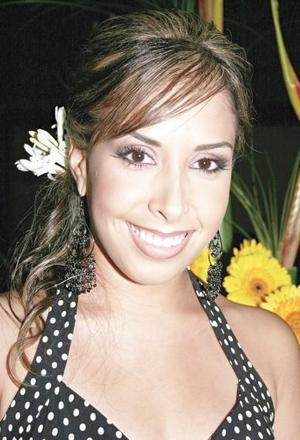 <u><i> 23 de Agosto </u></i><p>  Alejandra Castañeda Rojas fue captada el día de su despedida de soltera