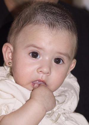 La pequeña Daniela Luvidano Luján, captada en pasado festejo social.