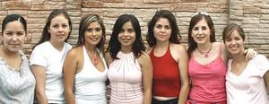 <u><i> 23 de Agosto </u></i><p>   Sonia garcía guzmán con sus amigas, en la despedida de soltera que le ofrecieron por su cercana boda con Ricardo Fiscal Arcaute.