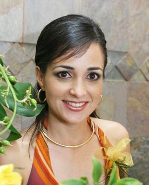 Lucila Hernández García Contraerá matrimonio con Fernanado González MArtínez el próximo nueve de octubre.