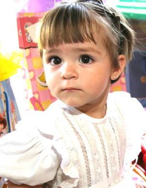 La pequeña Ana Cecilia Pérez Alvarado festejó su primer cumpleaños con un divertido convivio infantil.